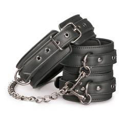 Halsband mit Fußgelenkmanschetten